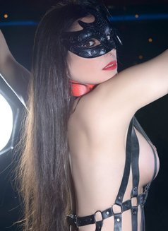 Slave Erato - adult performer in Athens Photo 2 of 21