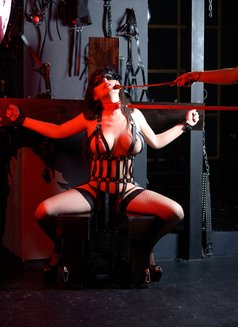 Slave Erato - adult performer in Athens Photo 3 of 21