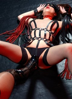 Slave Erato - adult performer in Athens Photo 5 of 21