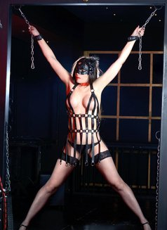 Slave Erato - adult performer in Athens Photo 6 of 21