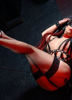 Slave Erato - adult performer in Athens Photo 7 of 21