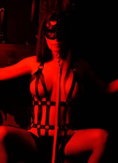Slave Erato - adult performer in Athens Photo 16 of 21