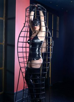 Slave Erato - adult performer in Athens Photo 17 of 21
