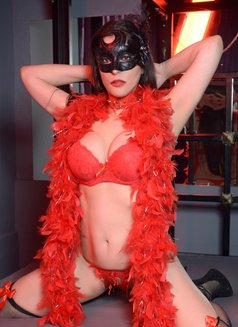 Slave Erato - adult performer in Athens Photo 21 of 21