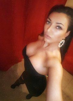Sofia New Sexy Curvy - escort in Dubai Photo 2 of 10