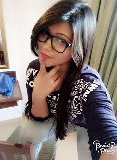 Somya Khanna - escort agency in New Delhi Photo 2 of 3