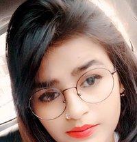 Soni - escort in Mumbai Photo 1 of 4