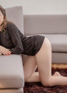 Soso Hot Girl & Vip Sex Service Girl - escort in Dubai Photo 1 of 7