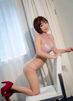 Stunning Mistress Maki - escort in Hong Kong Photo 8 of 8
