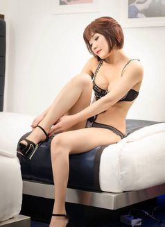 Stunning Mistress Maki - escort in Hong Kong Photo 2 of 8