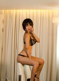 Stunning Mistress Maki - escort in Hong Kong Photo 4 of 8