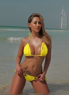 Sunny 100% real video available - escort in Dubai Photo 2 of 6