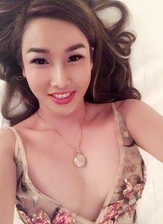 Suri sexy - escort in Dubai Photo 5 of 9