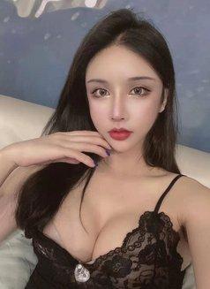 TSjunjun - Transsexual escort in Shanghai Photo 6 of 7