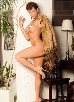 Tammy TAJ Masajes tantra erotic - masseuse in Madrid Photo 8 of 9