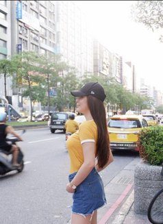 Unnie Yasuna - escort in Mumbai Photo 2 of 7