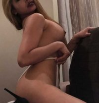 Tiara – Sexy, squirting playmate - escort in Sydney