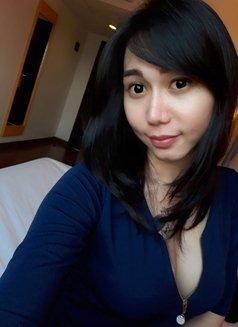 Tikaa - Transsexual escort in Jakarta Photo 4 of 5