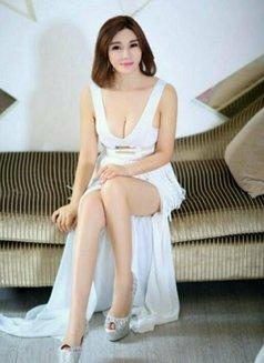 Tina - escort in Hong Kong Photo 6 of 8