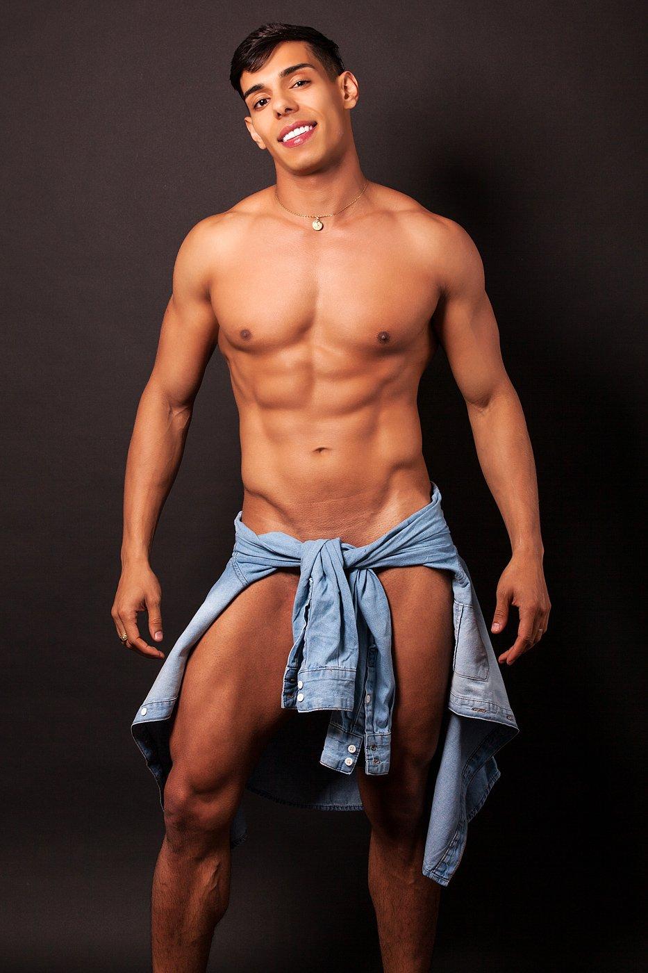 Reviews for patrick muscular brazilian male escort london gigolos
