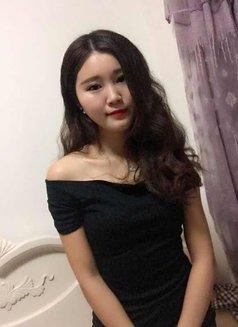 Amanda - escort in Hangzhou Photo 2 of 7