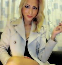 Trans Ariana - Transsexual escort in Edinburgh