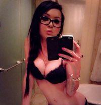 Transexual Evana - Transsexual escort in Abu Dhabi Photo 3 of 14