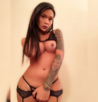 TS Nathalie - Transsexual escort in Abu Dhabi