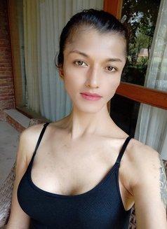 Akira Dani - Transsexual escort in New Delhi Photo 13 of 30