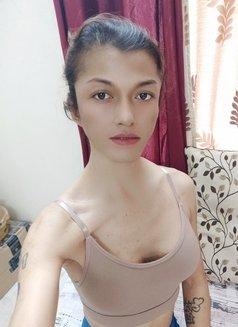 Akira Dani - Transsexual escort in New Delhi Photo 18 of 30