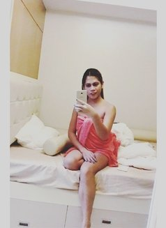 Ts Annsarap - Transsexual escort in Singapore Photo 5 of 6