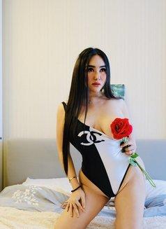 Curvyliciouse Chloe - Transsexual escort in Manila Photo 3 of 30