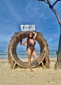 Curvyliciouse Chloe - Transsexual escort in Manila Photo 26 of 30