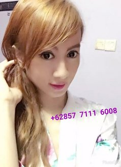 Ts Emma - Transsexual escort in Jakarta Photo 5 of 14