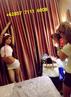 Ts Emma - Transsexual escort in Jakarta Photo 11 of 14