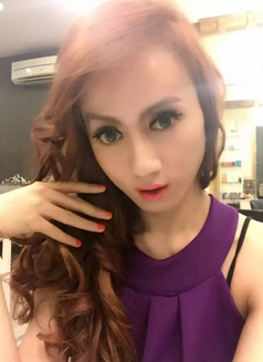 Ts Emma - Transsexual escort in Jakarta Photo 1 of 14
