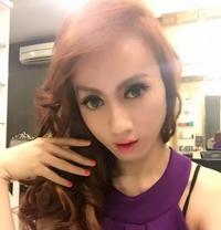 Ts Emma - Transsexual escort in Jakarta