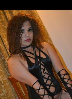 Top Mistress Mickey - Transsexual escort in Al Manama Photo 11 of 22