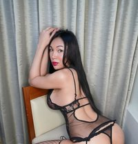 TS Nicholee - Transsexual escort in Dubai Photo 3 of 30
