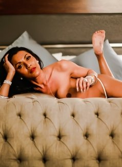 Tsdanisha - Transsexual escort in Beirut Photo 5 of 10