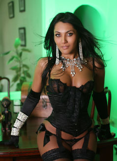 Tsdanisha - Transsexual escort in London Photo 7 of 9