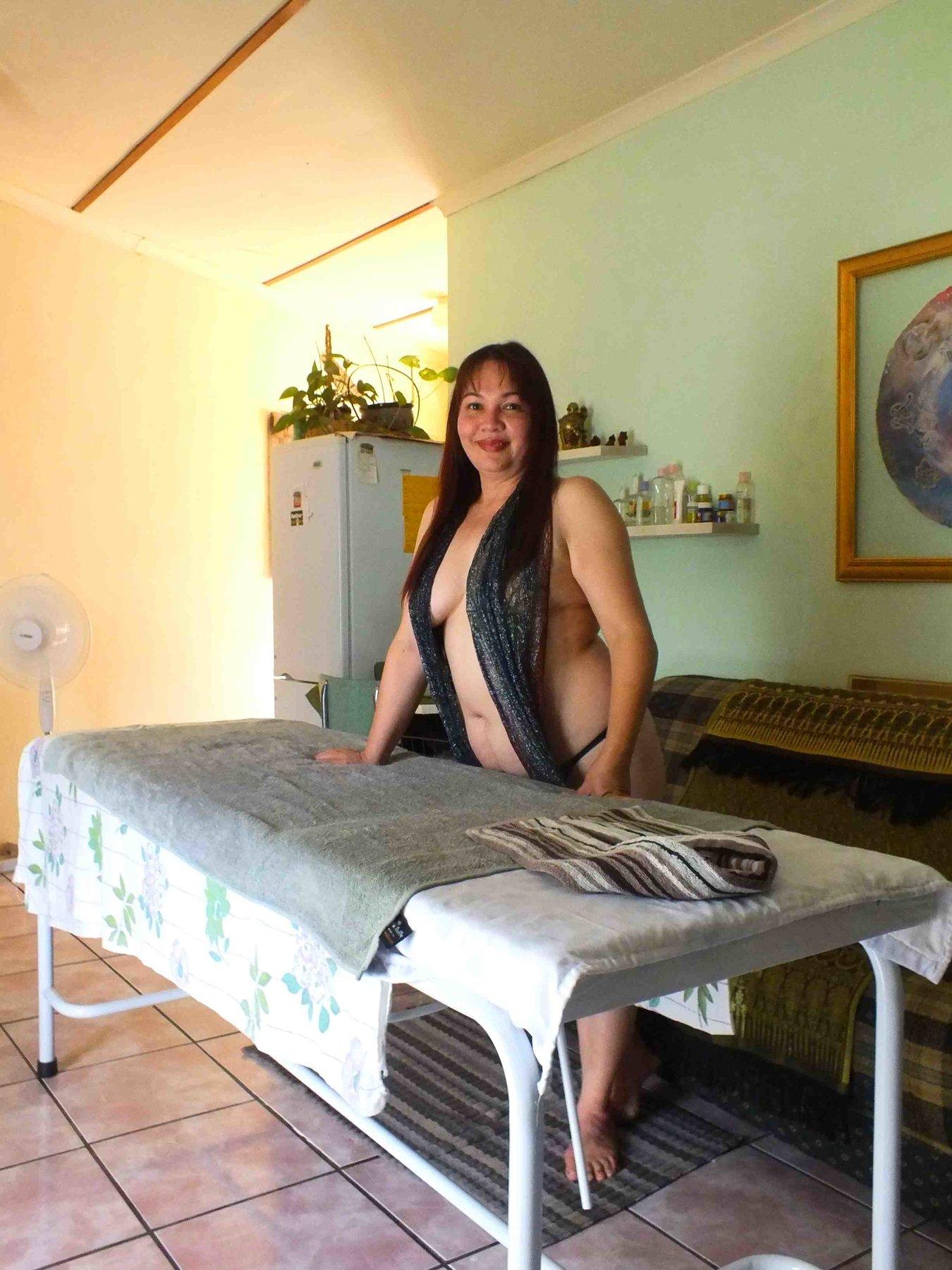 topless thai massage eskort södermanland