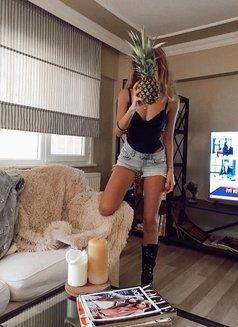 Turkish Blonde Beliz real photos - escort in İstanbul Photo 5 of 5