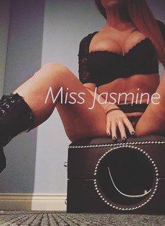 Mistress Jasmine - dominatrix in Milan Photo 8 of 17