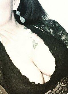 Mistress Jasmine - dominatrix in Milan Photo 10 of 17