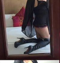 UK Mistress Victoria Lash - dominatrix in Dubai