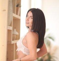 Ukranian model Victoria - escort in Al Manama Photo 1 of 5