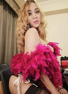 PRIVATE CAMSHOW-APPLEGARCIA - Transsexual escort in Manila Photo 16 of 23