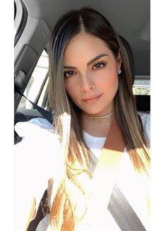 Valeria - escort in Abu Dhabi Photo 4 of 10