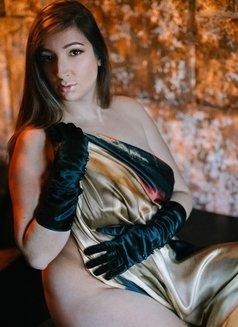 Vanessa Heartgrave - escort in London Photo 9 of 10